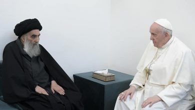 Photo of لقاء بابا الفاتيكان فرنسيس بالمرجع السيد علي السيستاني في العراق